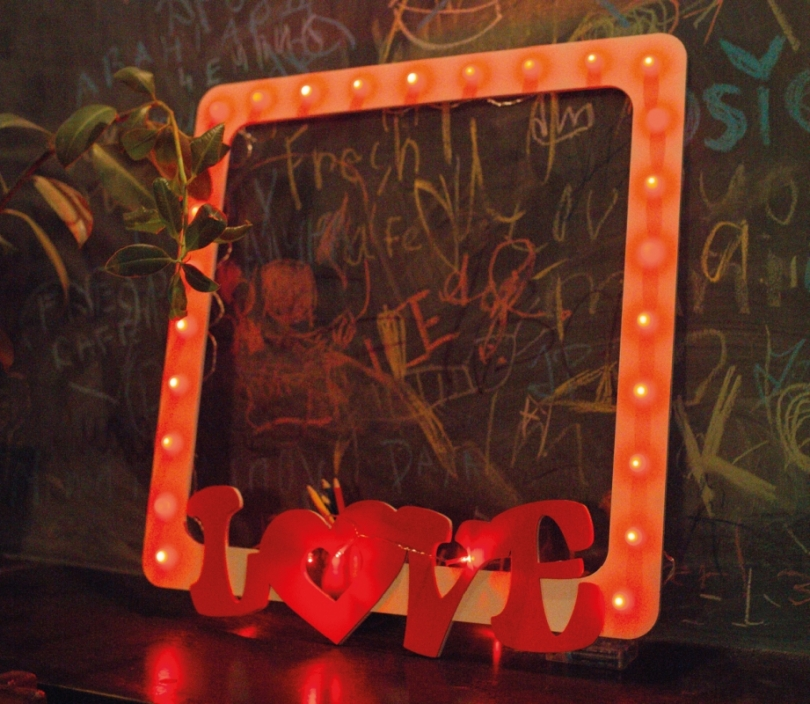 Love Frame, Light Bulb Sign, Wall Lamp, Photo Shoot Frame