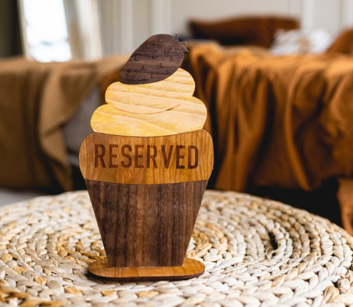 Reserved Cupcake, Double-sided Table Sign, Handmade of wood, Height 20 sm